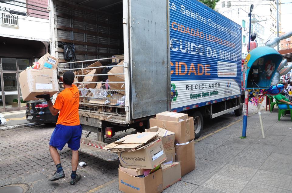 Cooperativas da Coleta Seletiva aumentam significativamente quantidade de lixo recolhido na cidade
