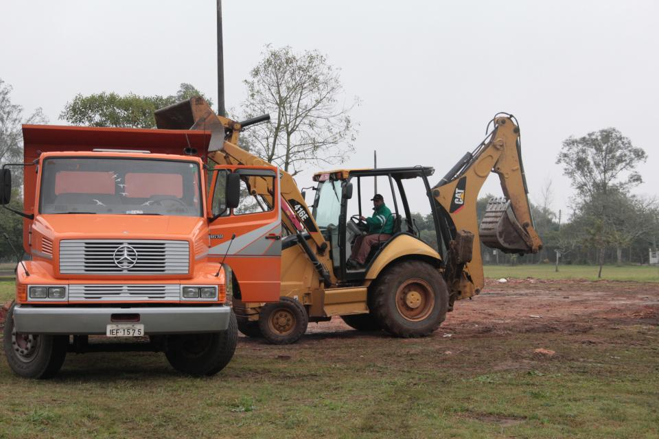 Semov realiza limpeza no Parque do Trabalhador