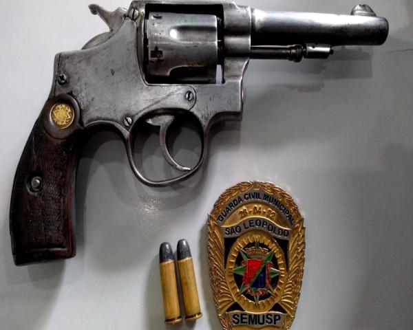 Guarda Municipal prende homem por porte de arma restrita
